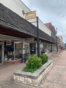 Hillsboro Texas downtown Sidewalk Antique Shopping